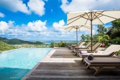 Alhéna pool sunbeds ocean view