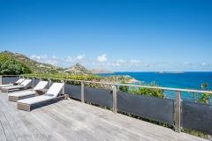 Claridge sunbeds ocean view