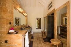 Papaye bathroom